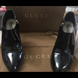 Gucci pat & leather black booties